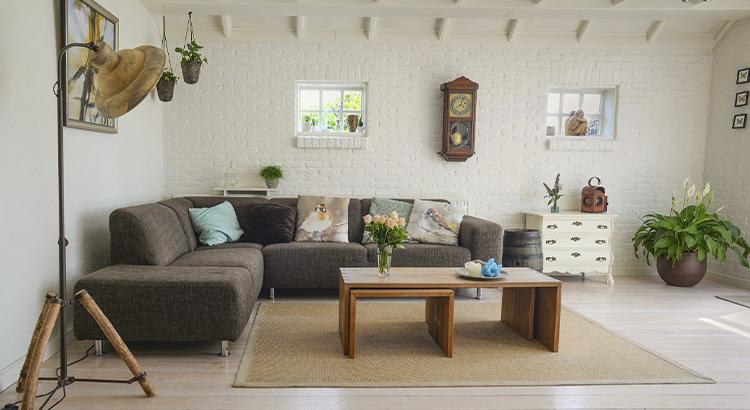 sala-com-sofá-confortável-estadia-prolongada