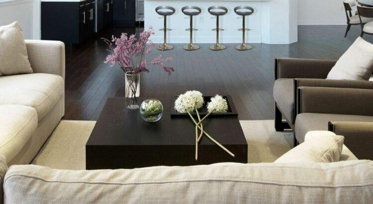 Como decorar a sala de estar do seu aluguel por temporada?